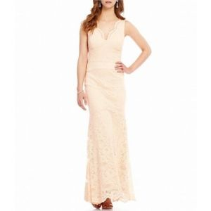Nicole Miller New York  LACE FORMAL DRESS